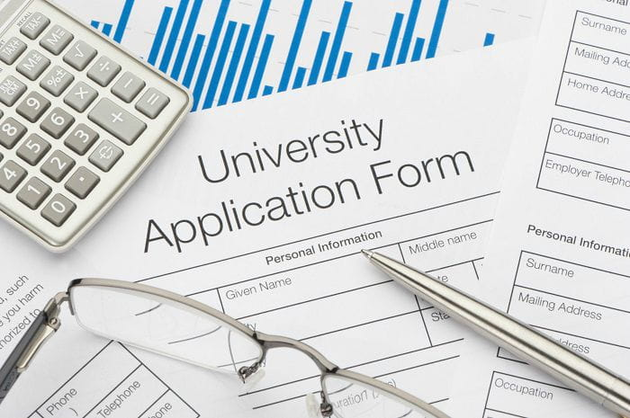Tips to Apply and Being Accepted in Universities to Study abroad 2019 - 2020